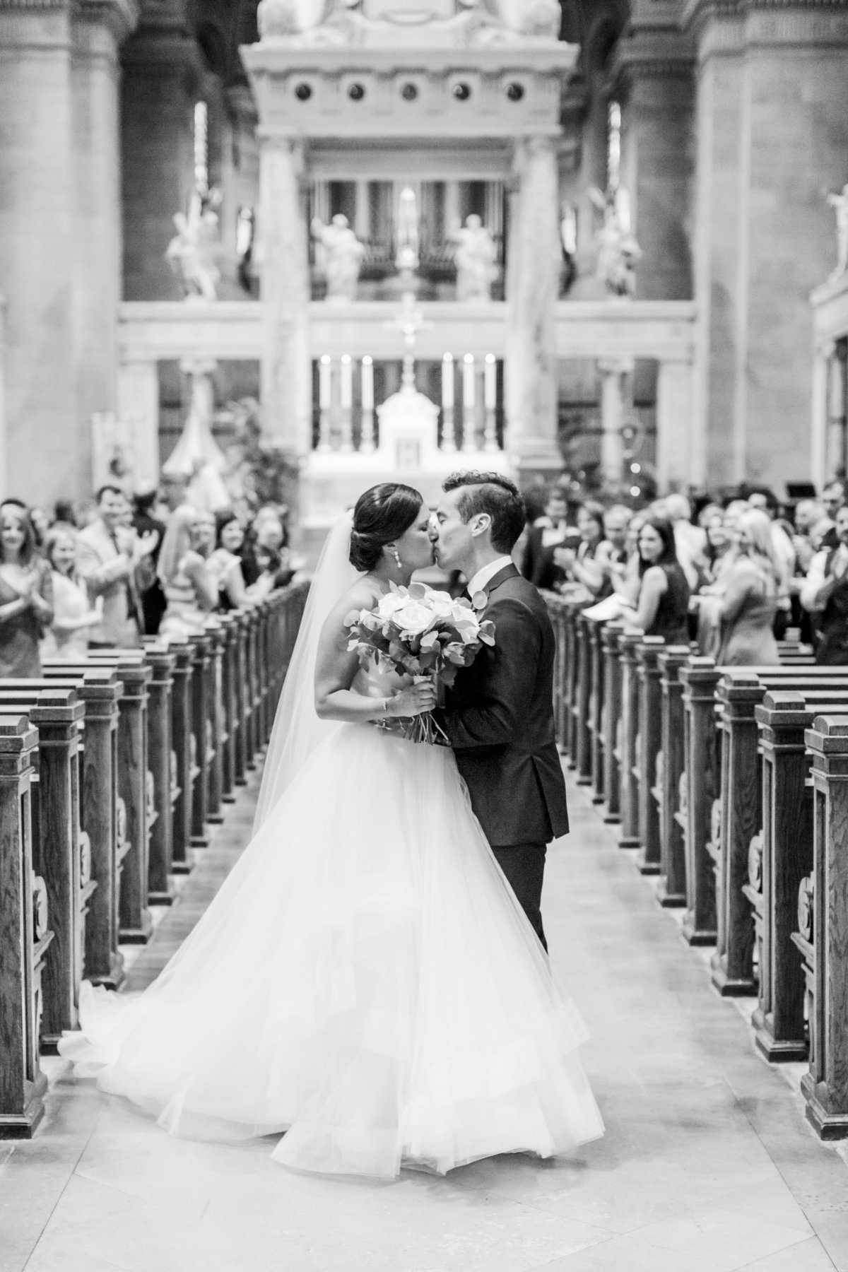 lindsey-taylor-photography-minneapolis-st-peters-basilica-wedding-photographer19