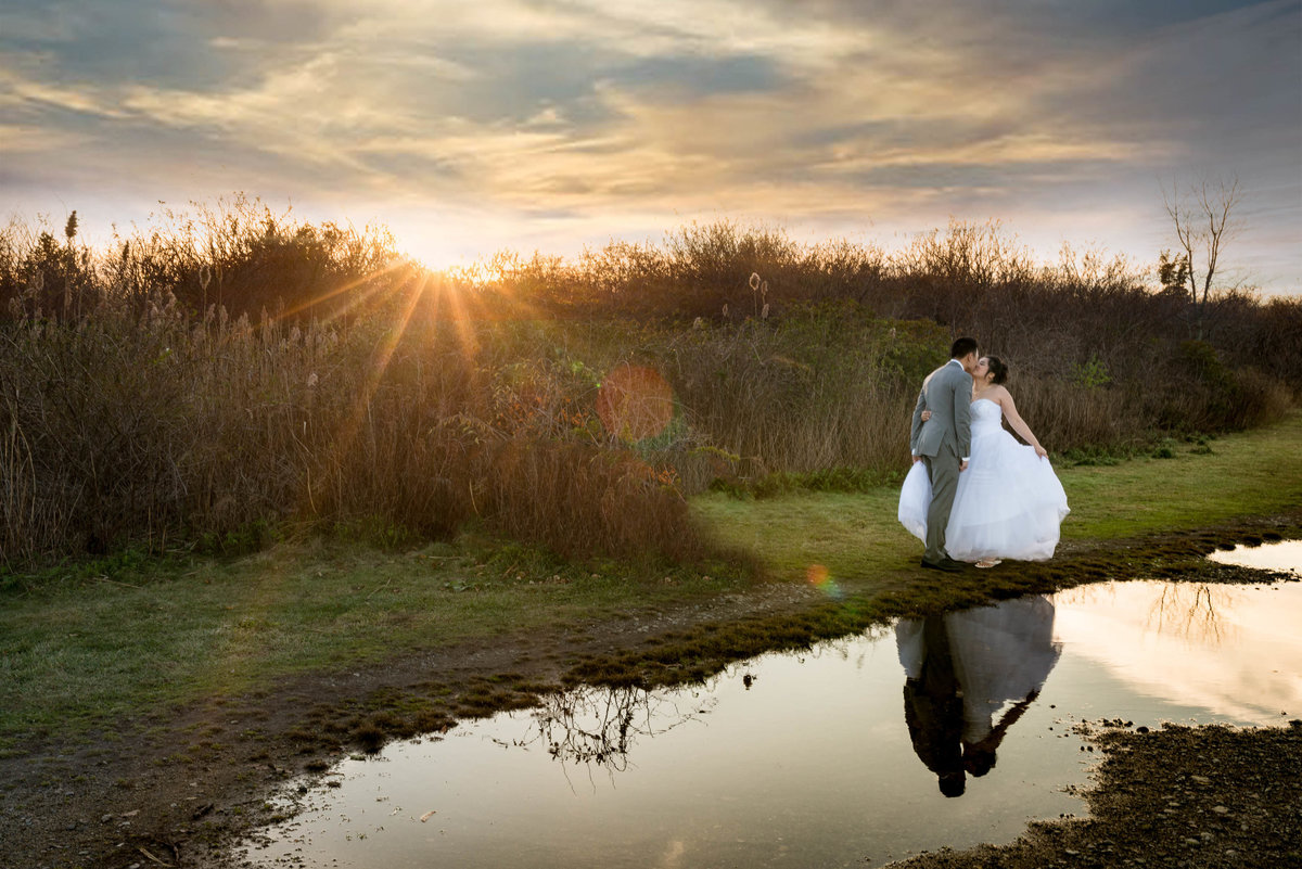 water reflection wedding photo