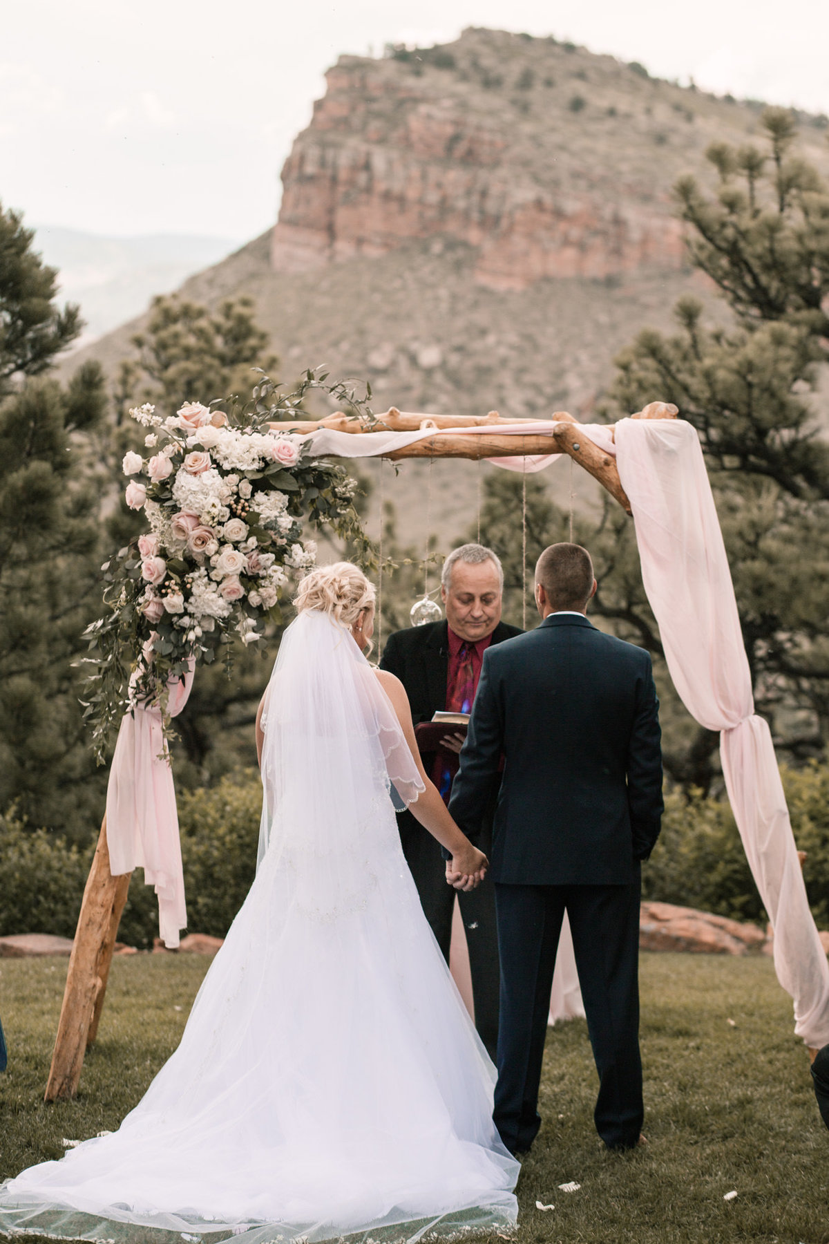 lauren-todd-lionscrest-manor-colorado-wedding-outdoor-photography-photographer-Dgass-Photography-0937
