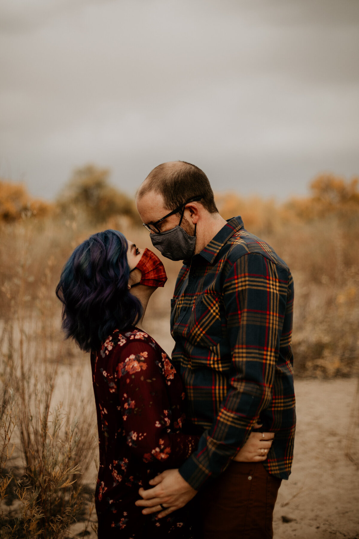 anniversary-photo-shoot-fall-bosque-albuquerque-14