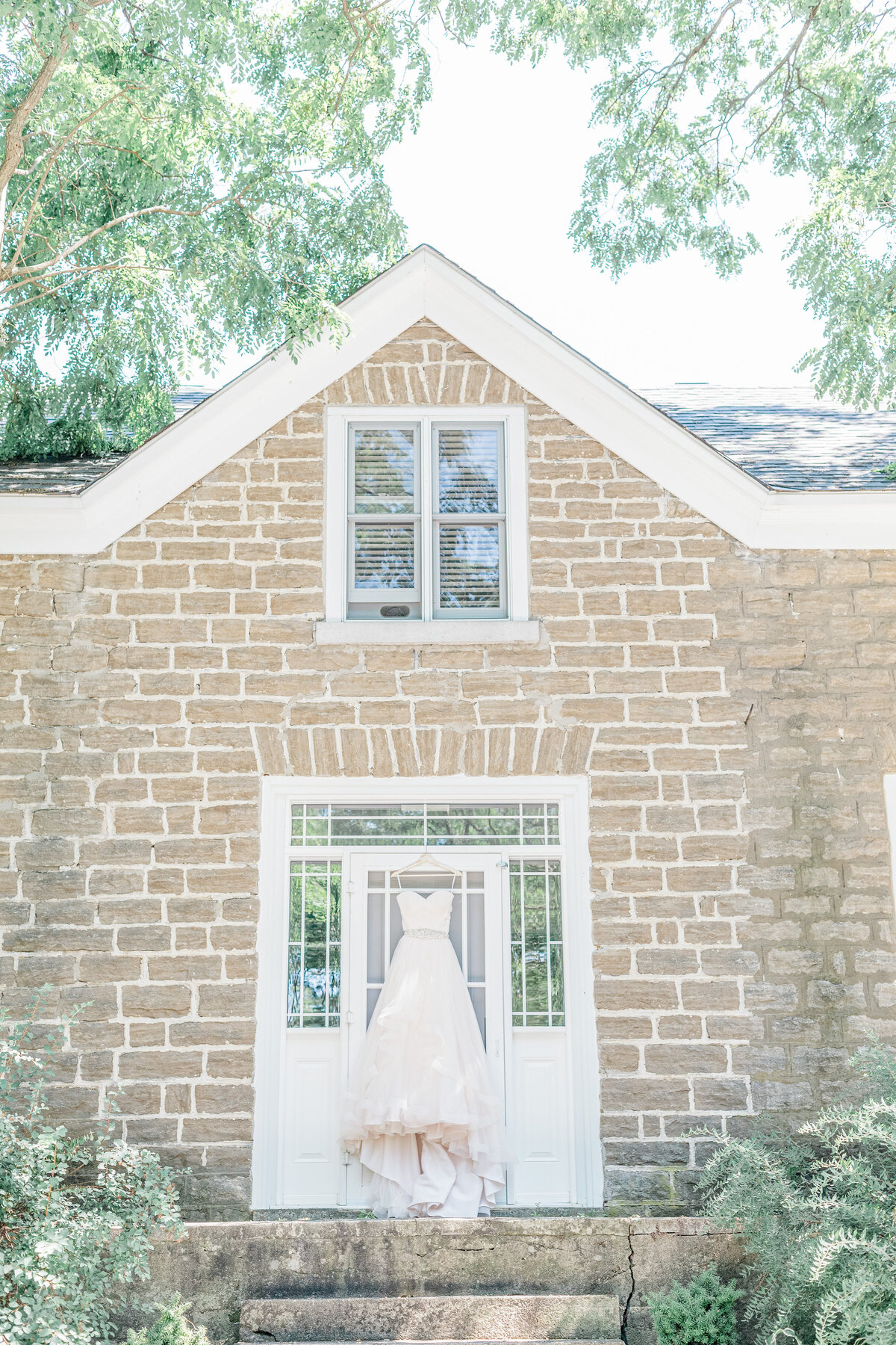 Stonefields-weddings-events-beckwith-wedding-light-airy-grey-loft-studio-13