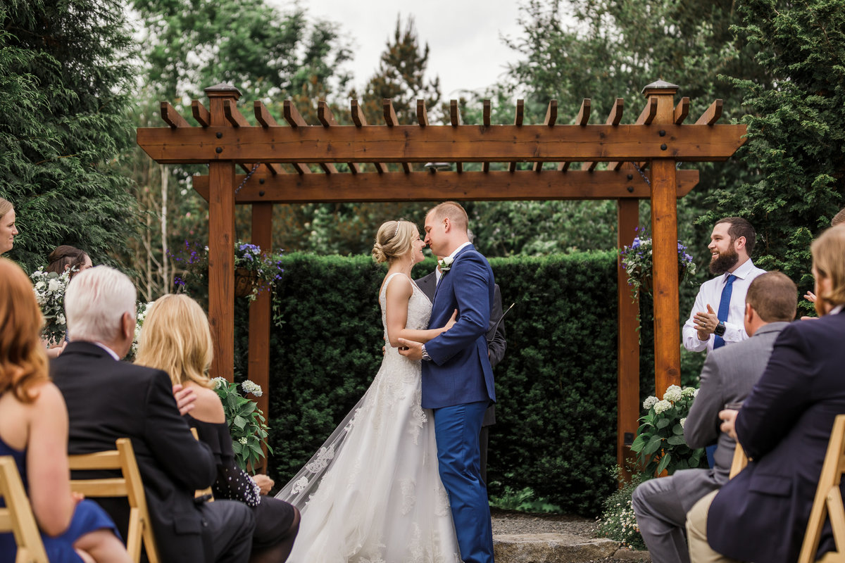 Woodinville-Wedding-Photographer-Willows-Lodge-74