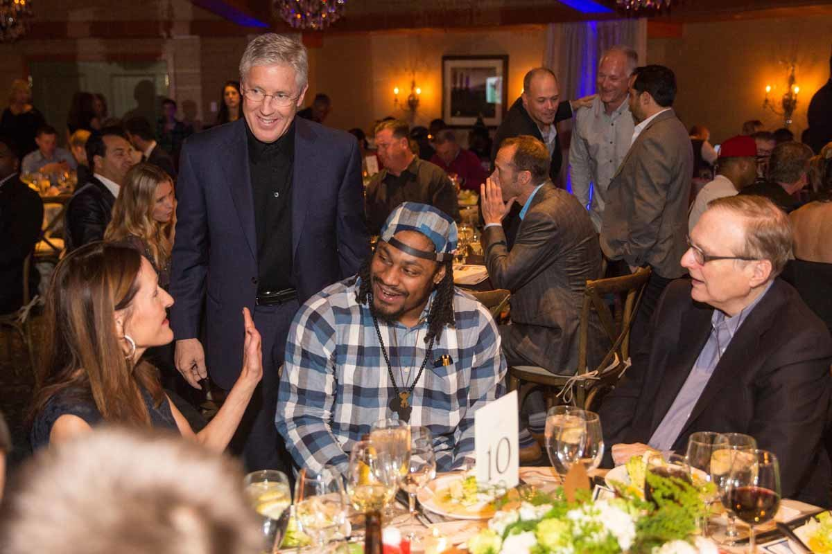 4Flora-Nova-Design-Marshawn-Lynch-gala-edgewater