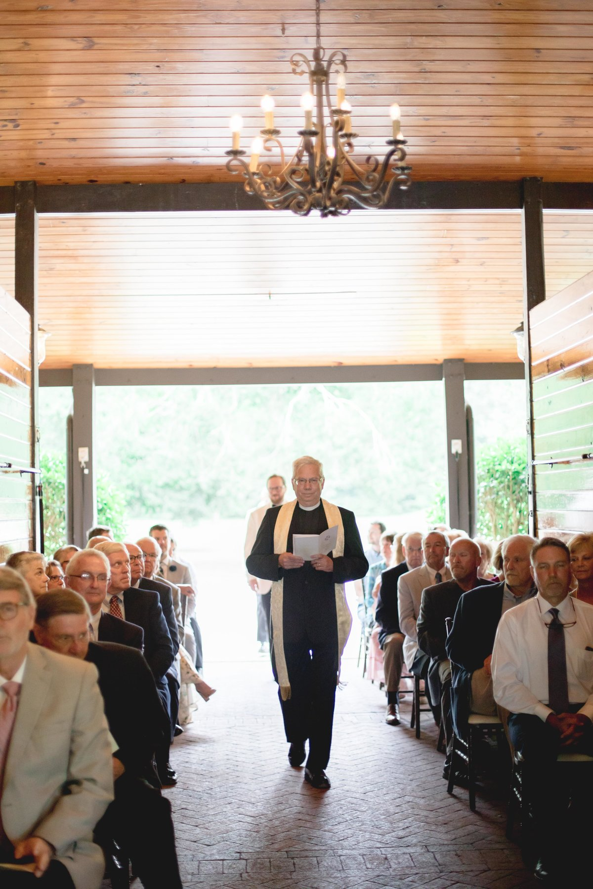 windwood_weddings_outdoor_venue_farm_bride80