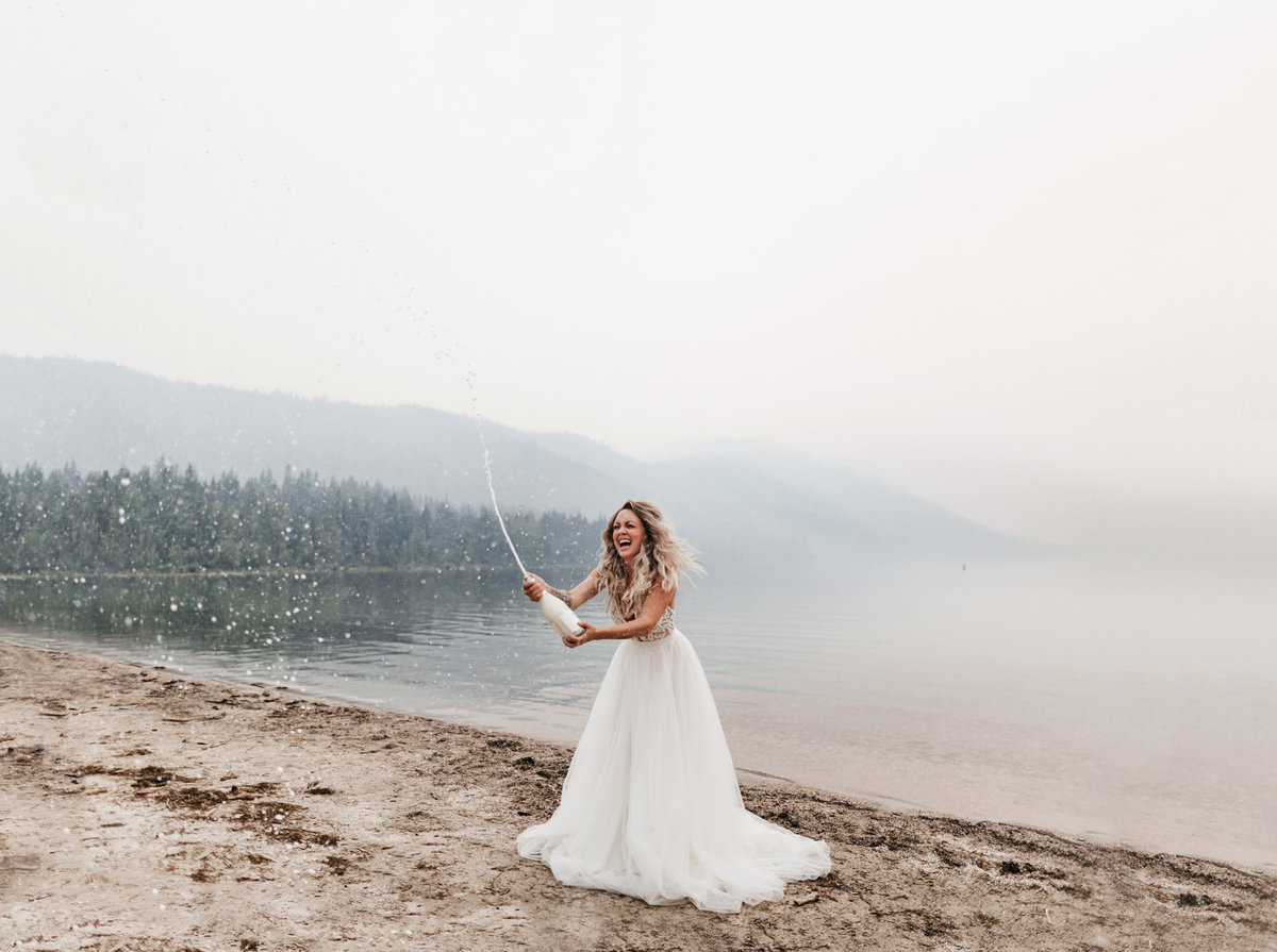 athena-and-camron-sara-truvelle-bridal-wenatchee-elopement-intimate-31-champagne-pop-bride