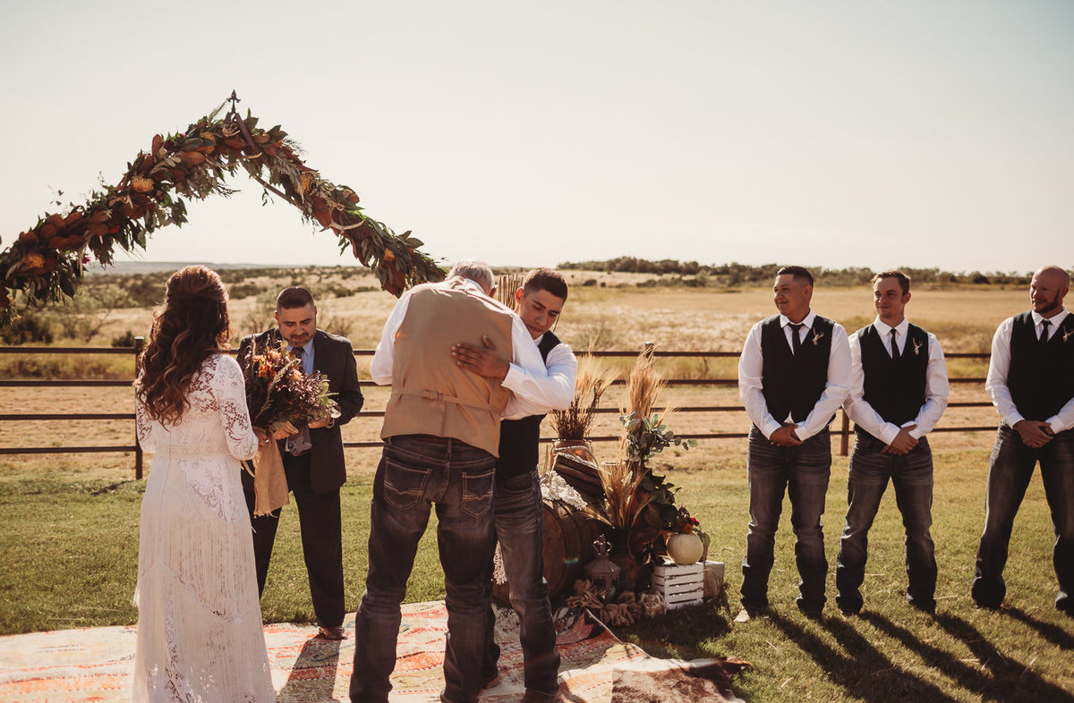texas-ranch-wedding-native-roaming-124