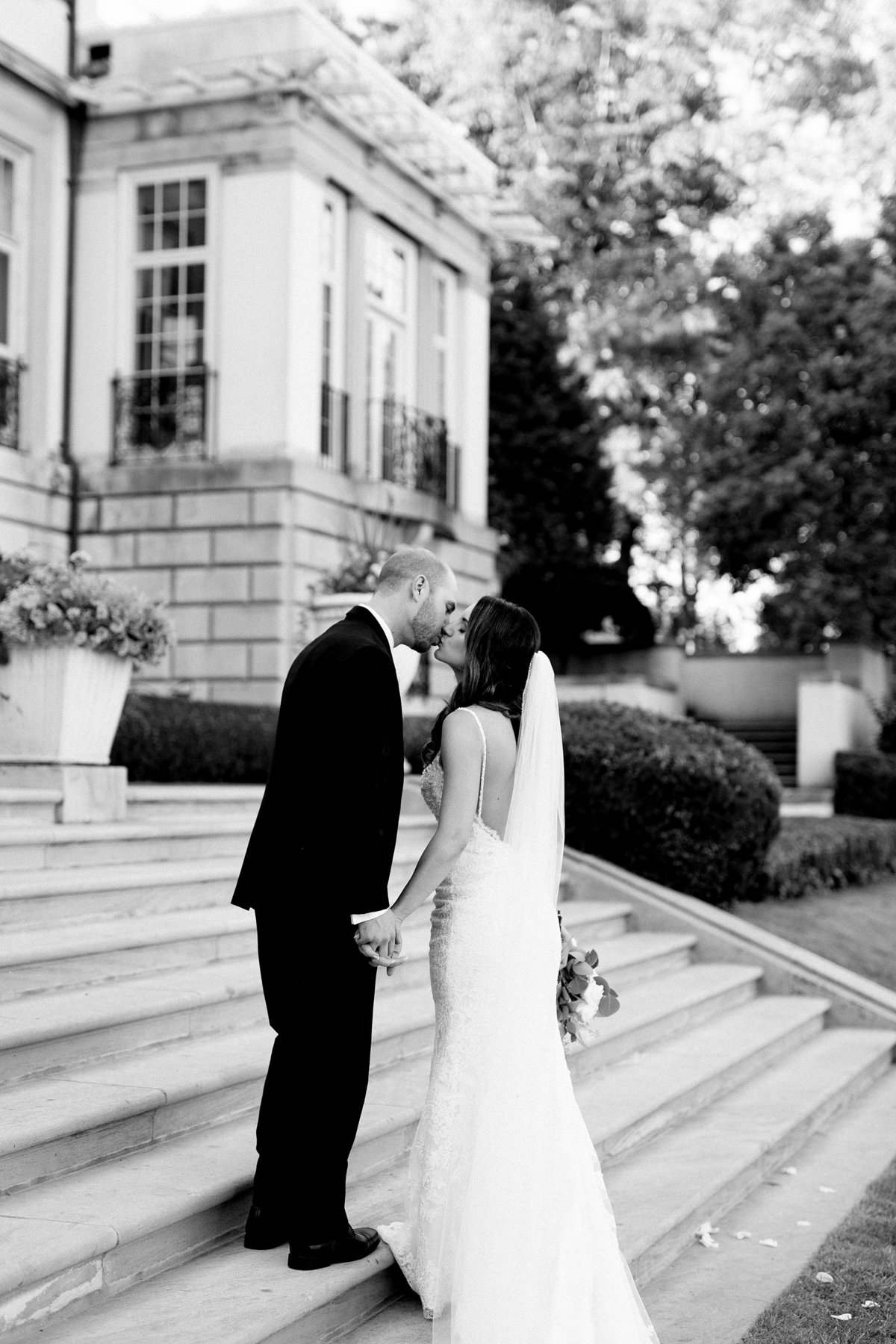 Shuster-Wedding-Grosse-Pointe-War-Memorial-Breanne-Rochelle-Photography121