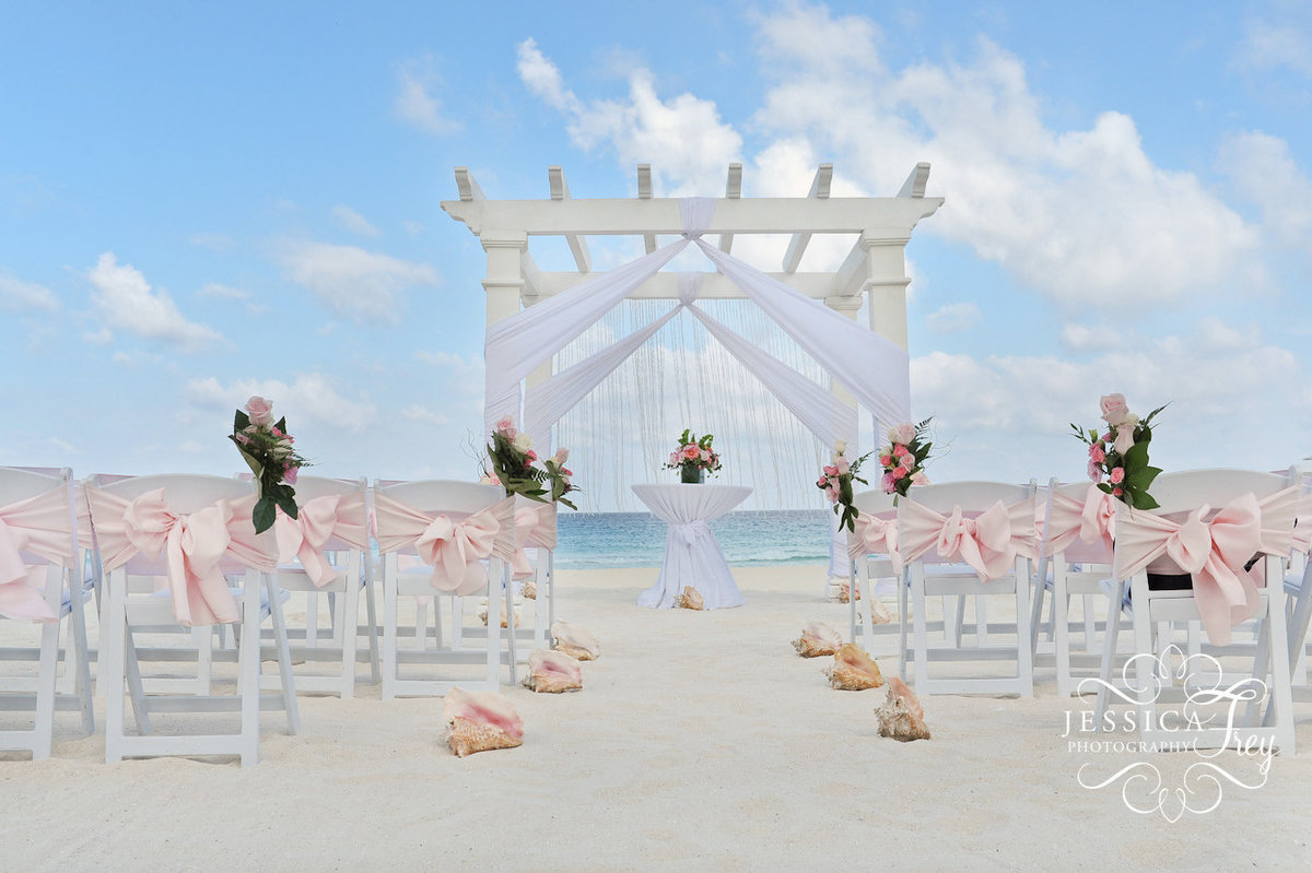 Jessica-Frey-Photography-Cancun-Beach-Wedding-035