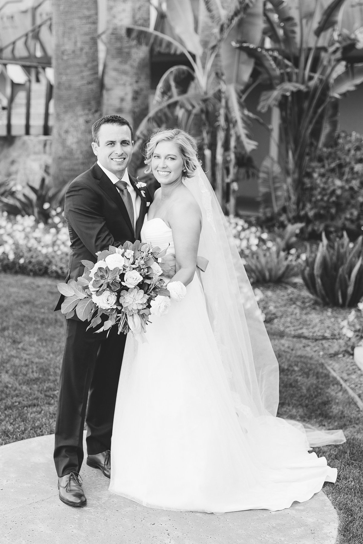 Liz + Mike - Hotel Valley Ho Wedding - Lunabear Studios - Bright and Airy Wedding Photography_0071