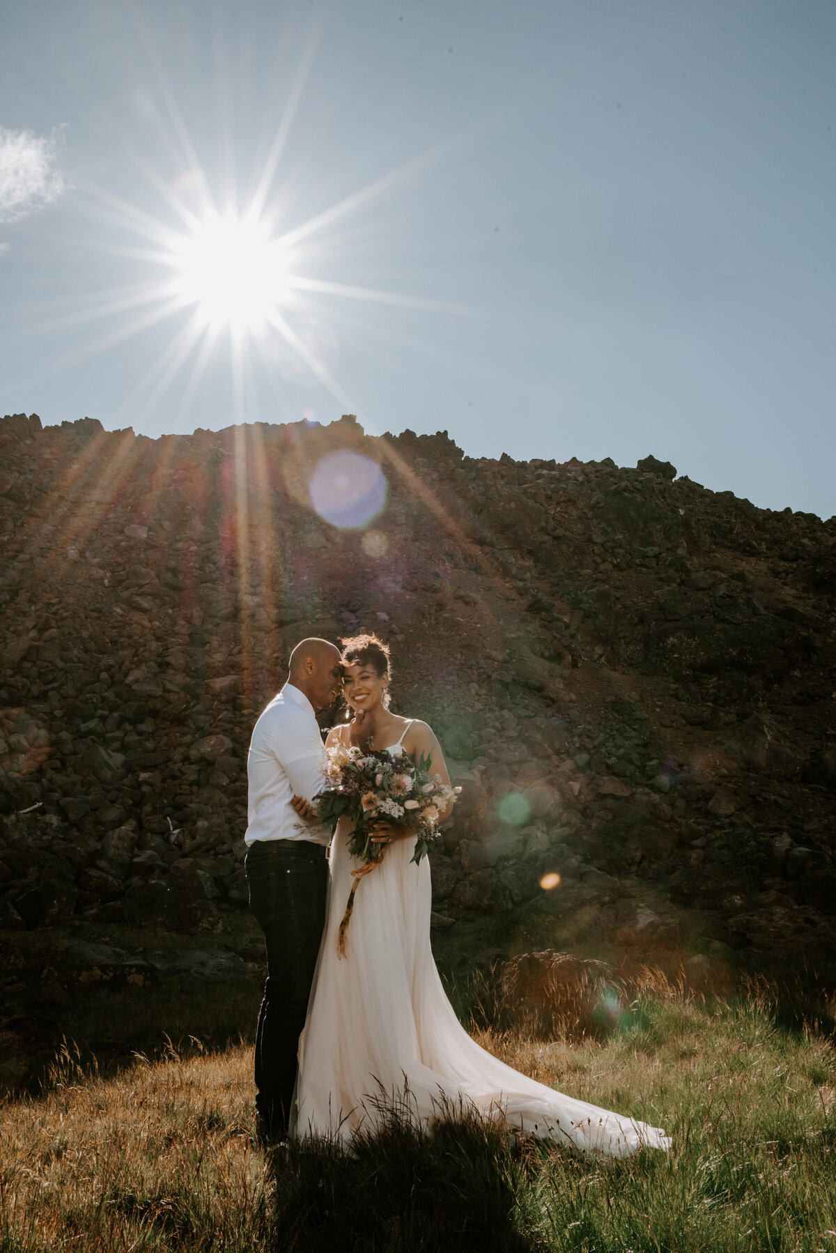 sisters-bend-oregon-summer-wedding-elopement-photographer-dress-scenic-byway-wedding-deewright-observatory-4253