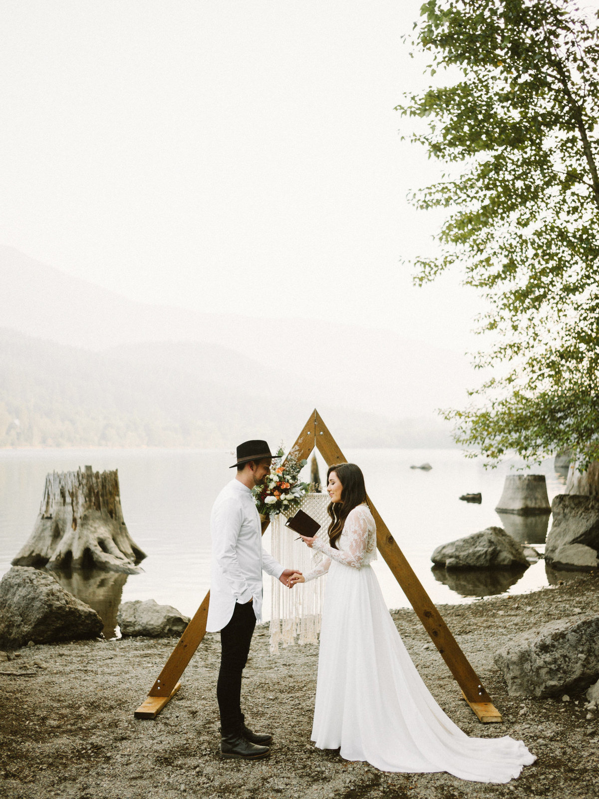 athena-and-camron-seattle-elopement-wedding-benj-haisch-rattlesnake-lake-christian-couple-goals43