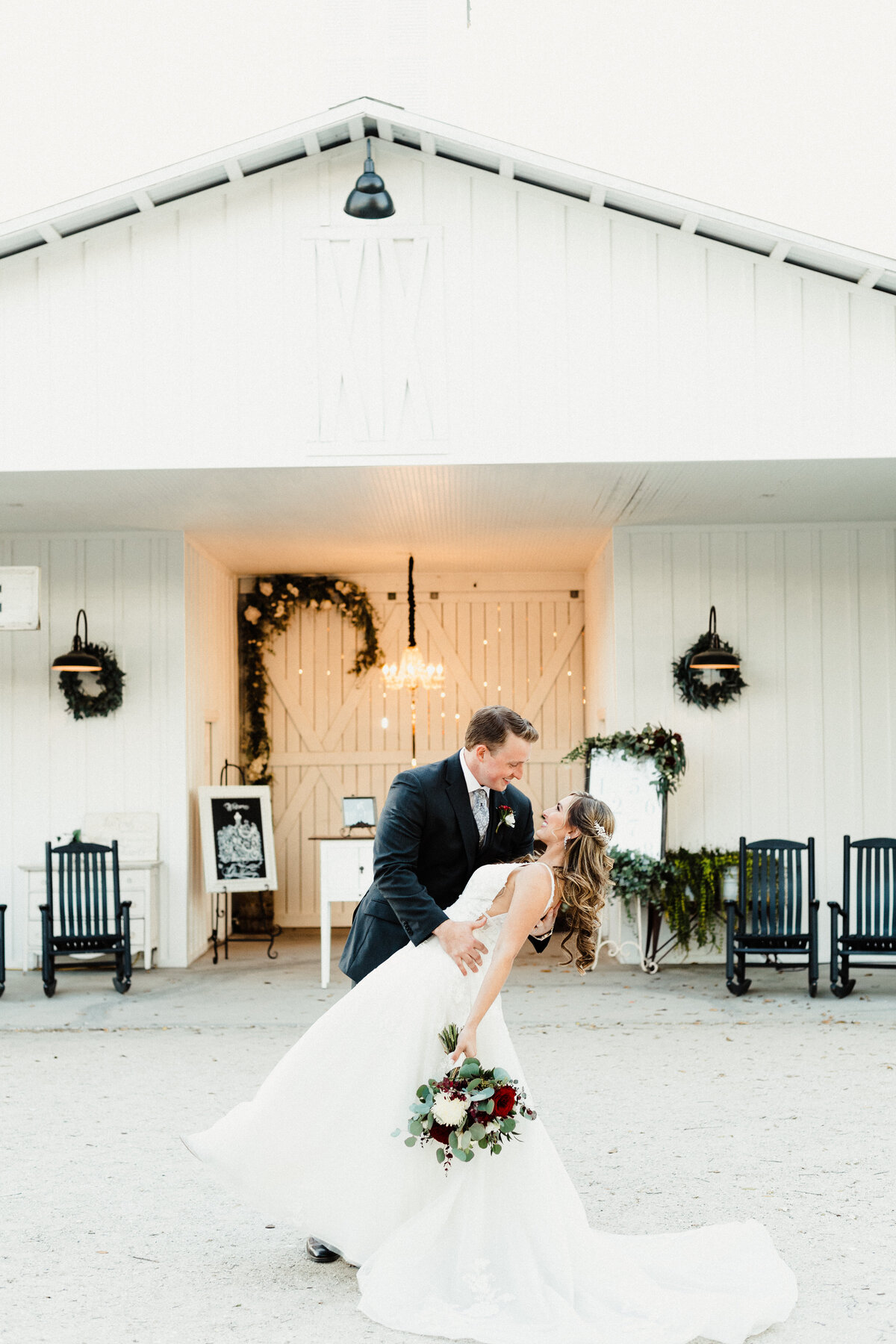 Copyright-Dewitt-for-Love-Photography-B+L-Southern-Grace-Barn-Wedding-Photographer-Florida-85