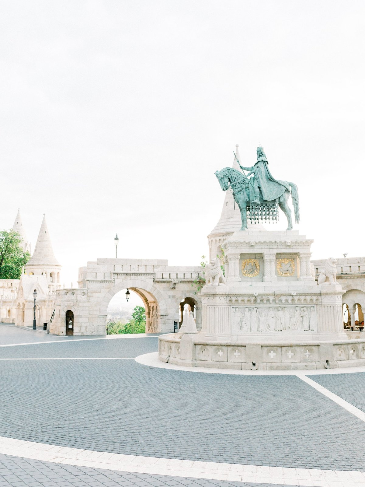 Rachael+Tyson_Budapest_MichelleWeverPhotography-31