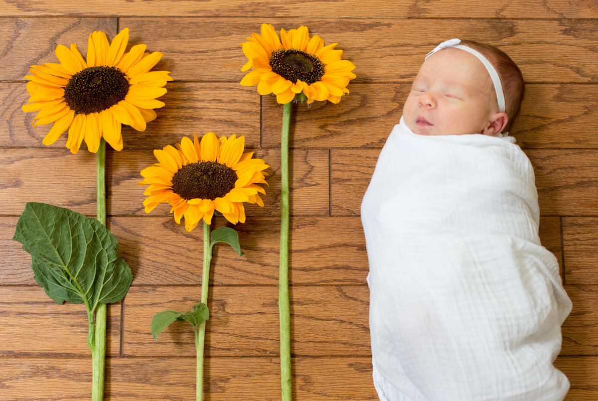 Laura-Klacik-Photography-Lifestyle-Newborn-Photos--2