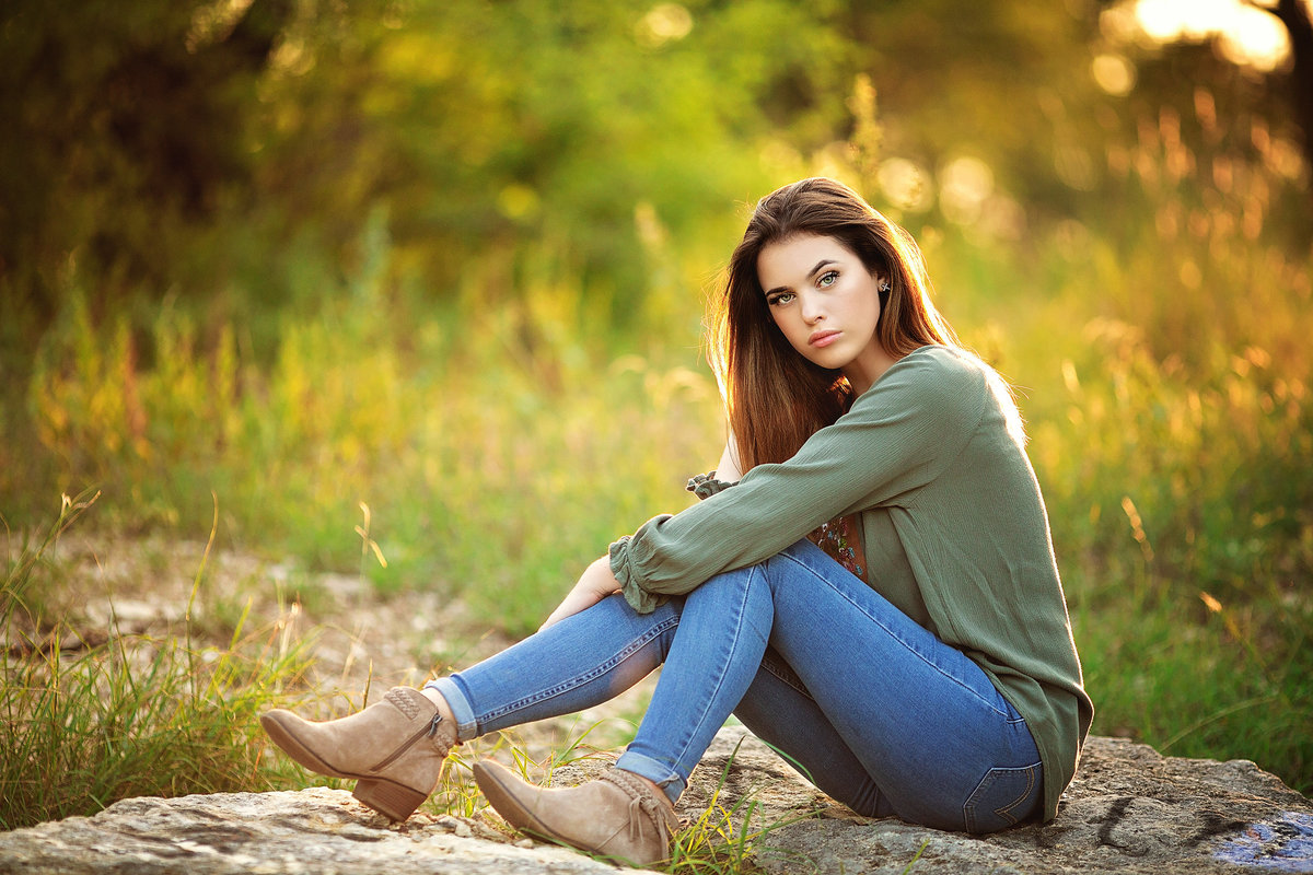 2018_Jaden Andres_Senior_Previews-33