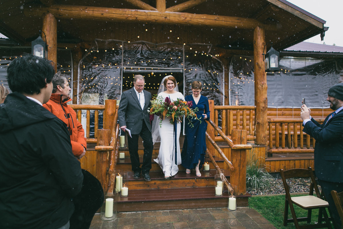 Jennifer_Mooney_Photography_Abbey_Stephen_Fall_Winter_Glacier_Park_Elopement-139