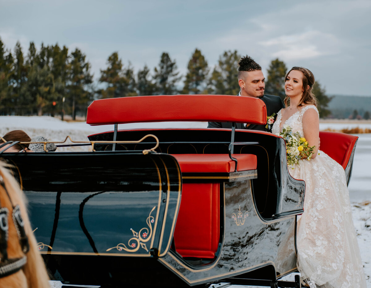 sunriver-resort-oregon-wedding-venue-christmas-elopement-photographer-destination-1886