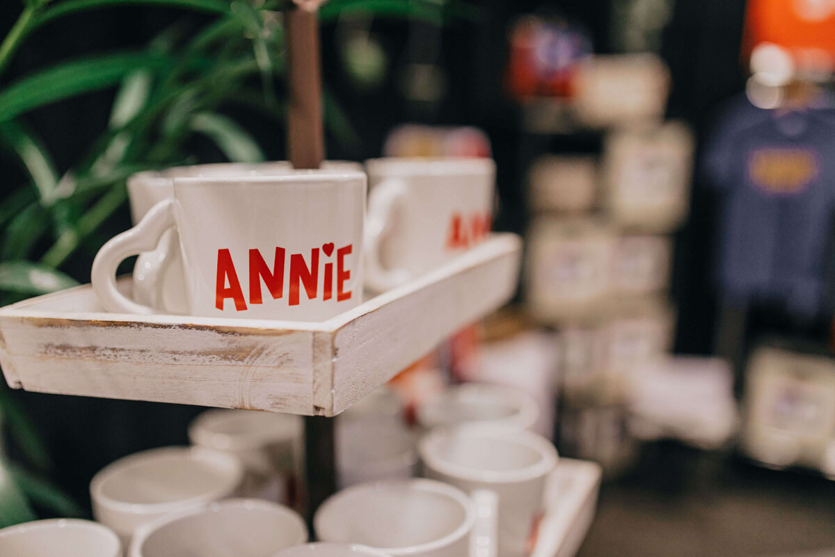annie-musical-broadway-mug-design-gateway-church-performing-arts