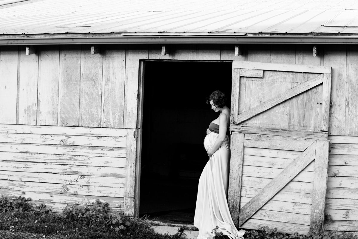 Let us help you find the perfect location for your maternity pictures
