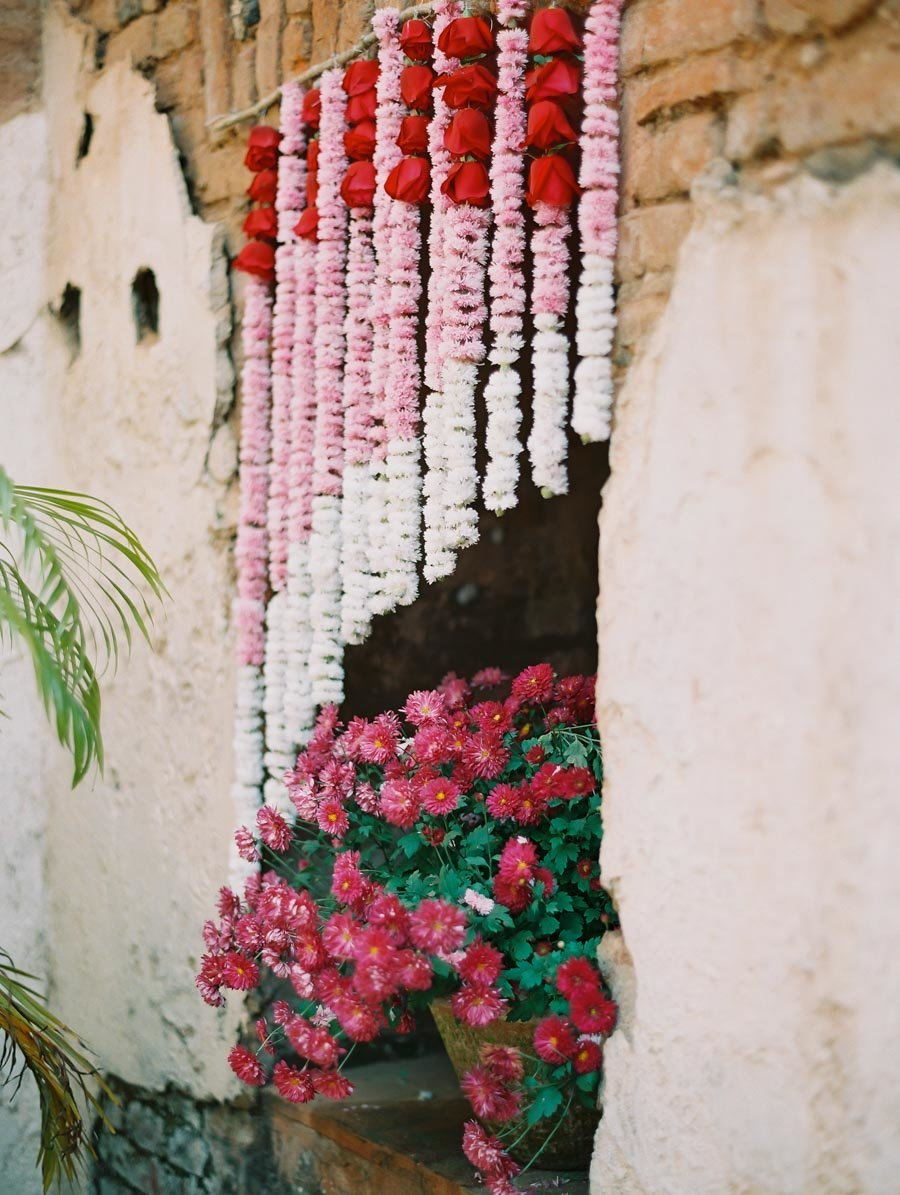 Mum Garlands at Indian Wedding Bonnie Sen Photography