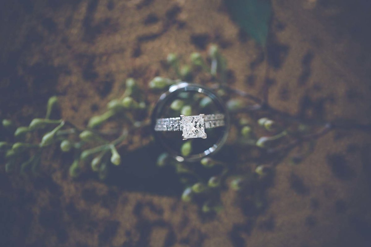 princess-diamond-moody-ring-portrait-wedding-inspiration-breaking-tradition-jacksonville-fl