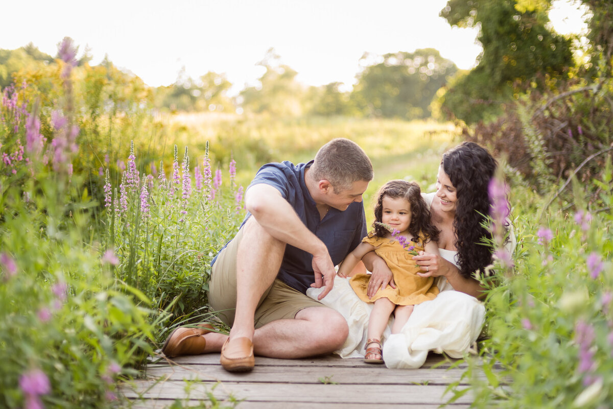 Boston-family-photographer-bella-wang-photography-Lifestyle-session-outdoor-wildflower-3