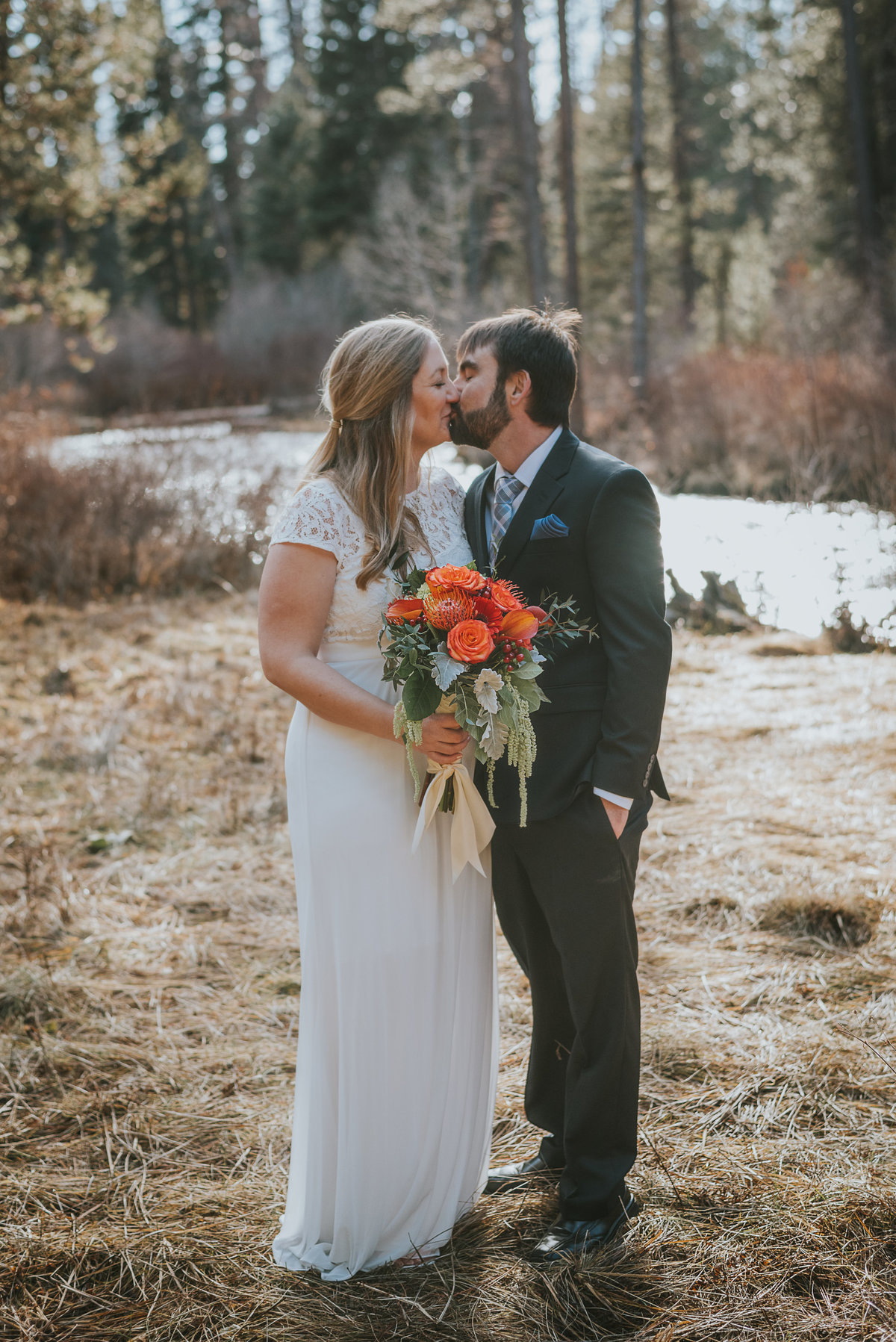 bend-oregon-wedding photographer-elopement-adventure-photograher-meredith-sands-photography -4