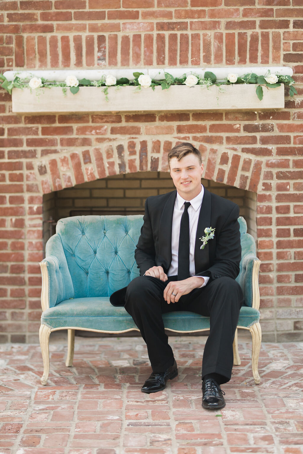 Lynwood Estate - Luxury Kentucky Wedding Venue - Classic Groom  00003