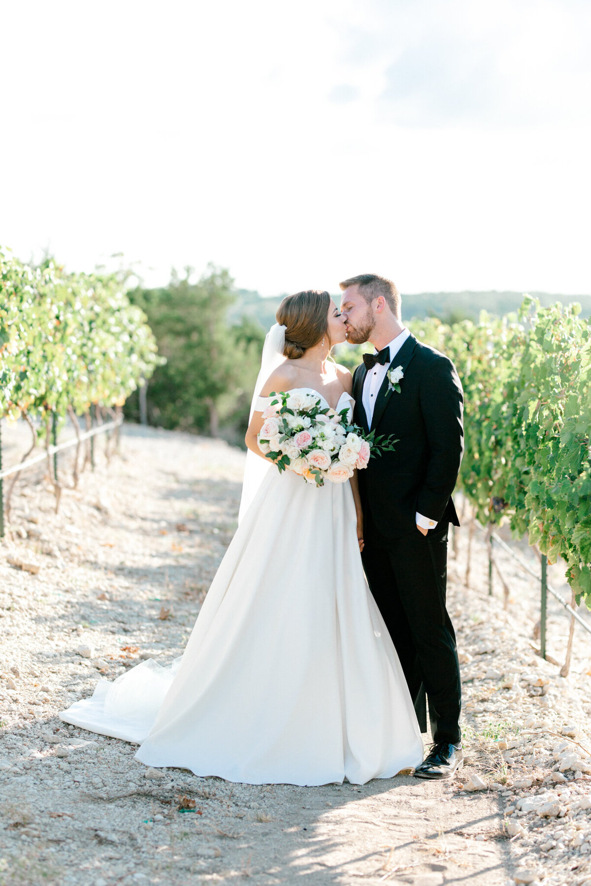 Lexi Broughton & Garrett Greer Wedding at Dove Ridge Vineyards | Sami Kathryn Photography | Dallas Wedding Photography-130