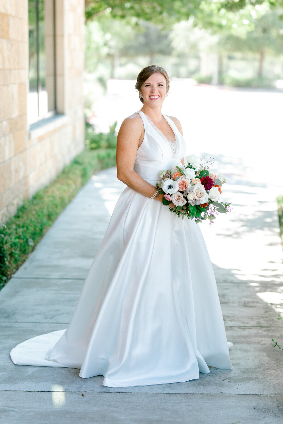 Kaylee & Michael's Wedding at Watermark Community Church | Dallas Wedding Photographer | Sami Kathryn Photography-49