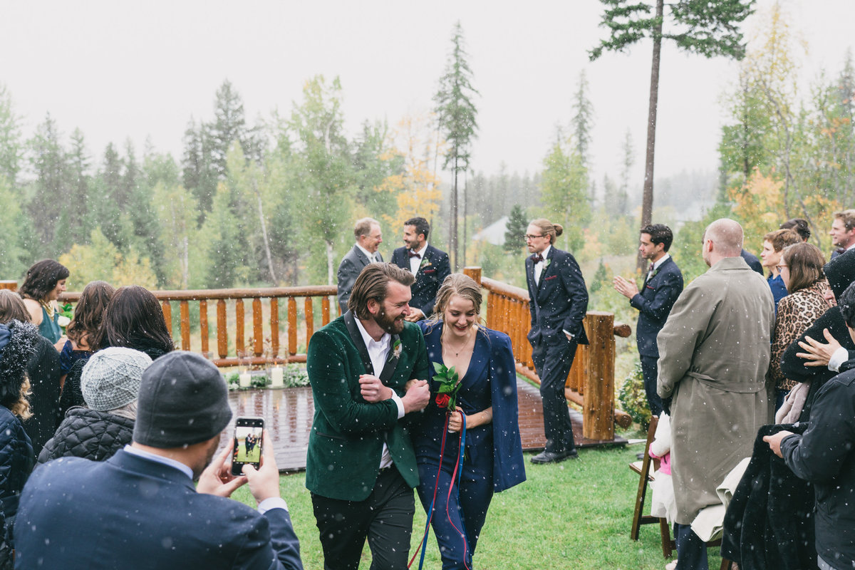 Jennifer_Mooney_Photography_Abbey_Stephen_Fall_Winter_Glacier_Park_Elopement-184