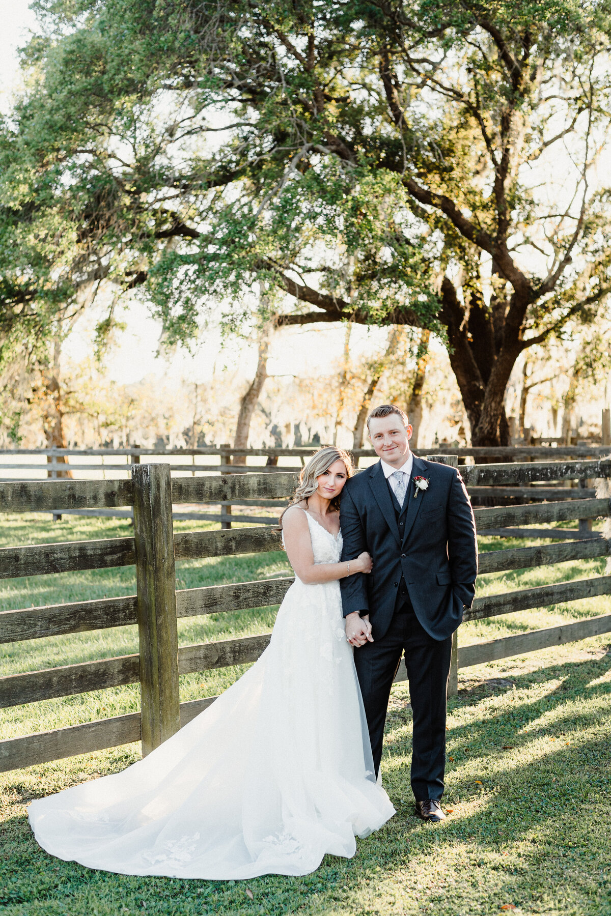 Copyright-Dewitt-for-Love-Photography-B+L-Southern-Grace-Barn-Wedding-Photographer-Florida-161