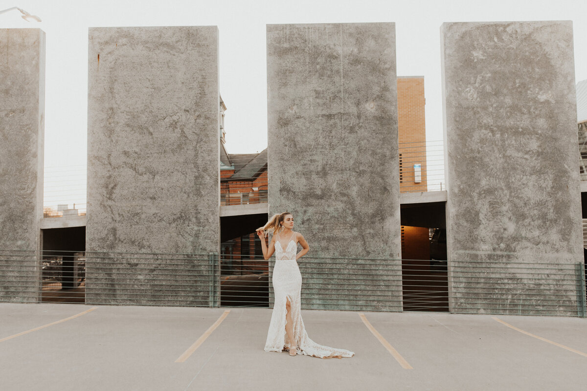 Kansas_City_Wedding_Photographer_BRIDE-221