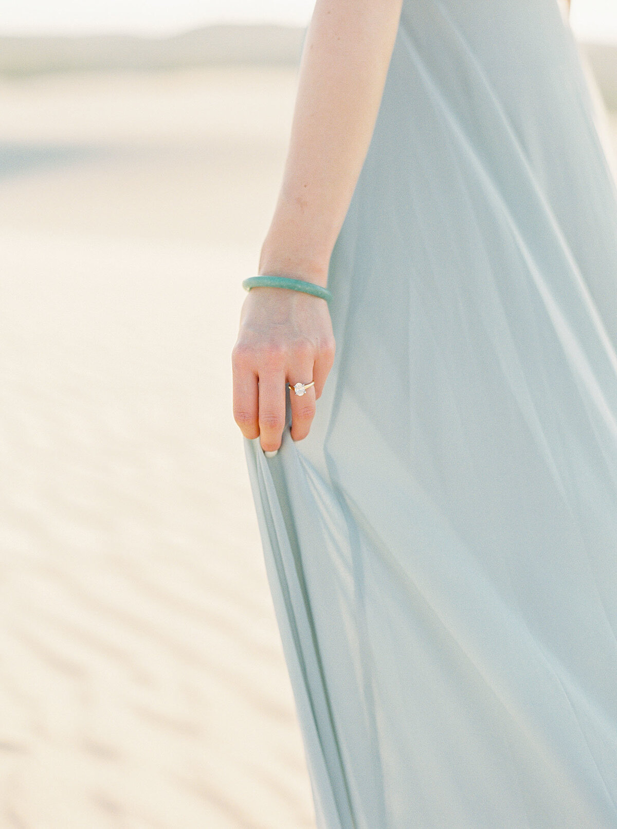 sand-dune-engagement-photos-10