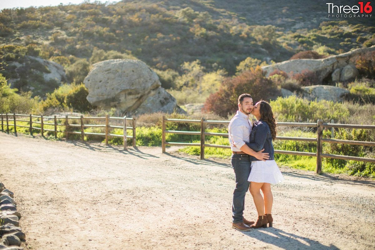 Laguna Coast Wilderness Park Engagement Photos Hiking Trails_2