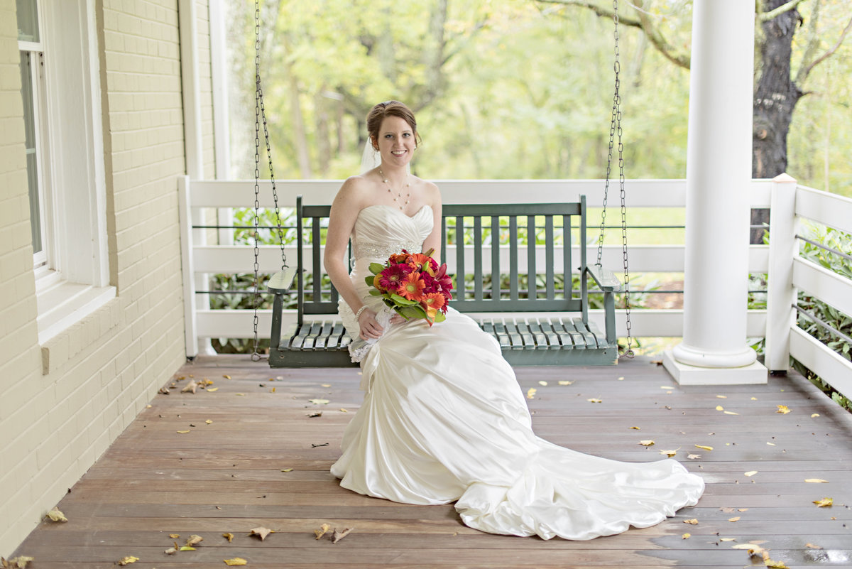 Southern bride at luxury barn venue in Lexington, Virginia