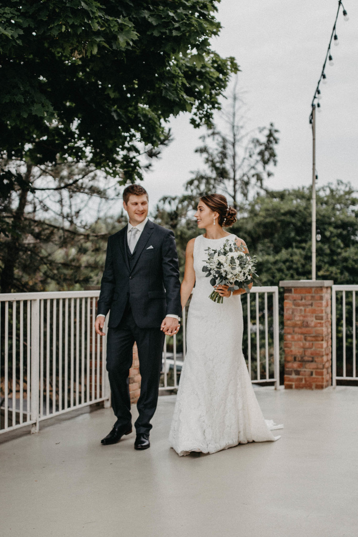 first-look-wedding-photo-ruffled-feathers-golf-course-3
