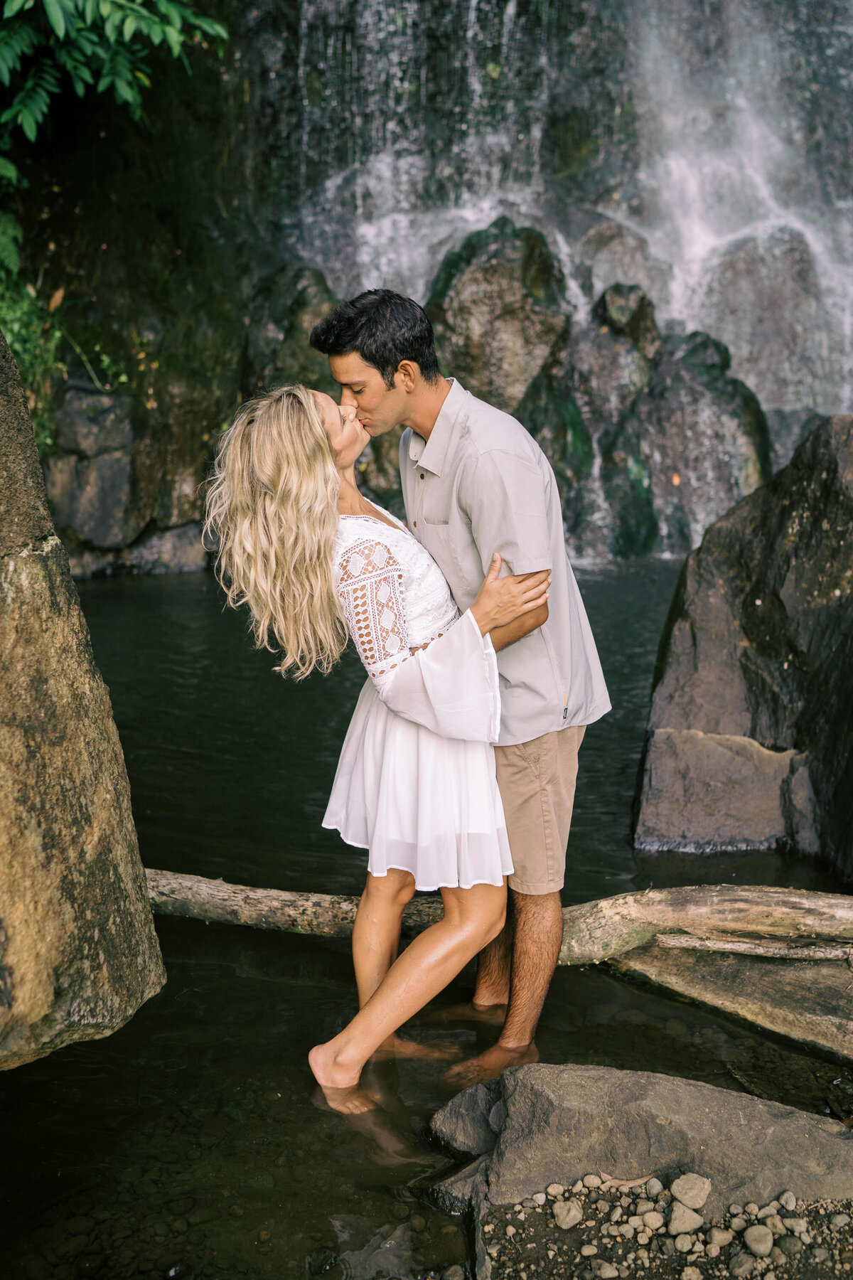 oahu-engagement-session-private-estate-15