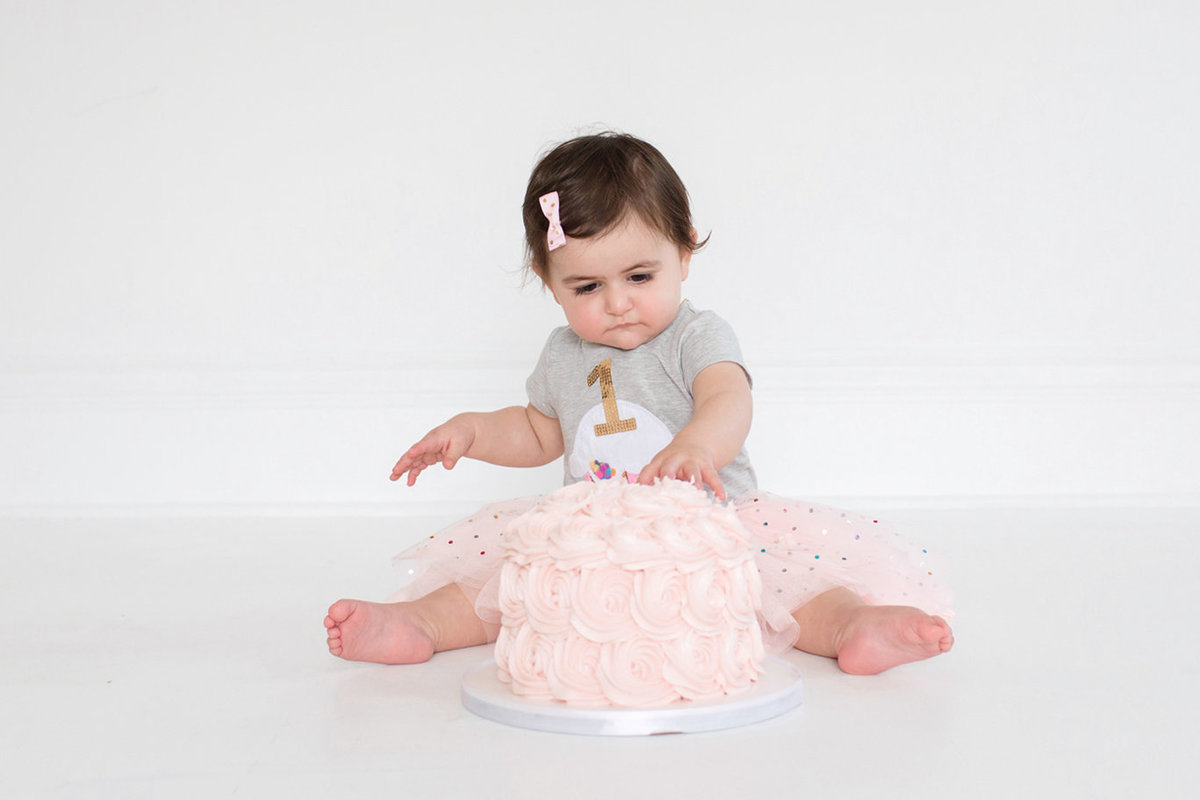 St-Louis-Studio-Child-Photographer-Cake-Smash-1-year-old-Sheth_49