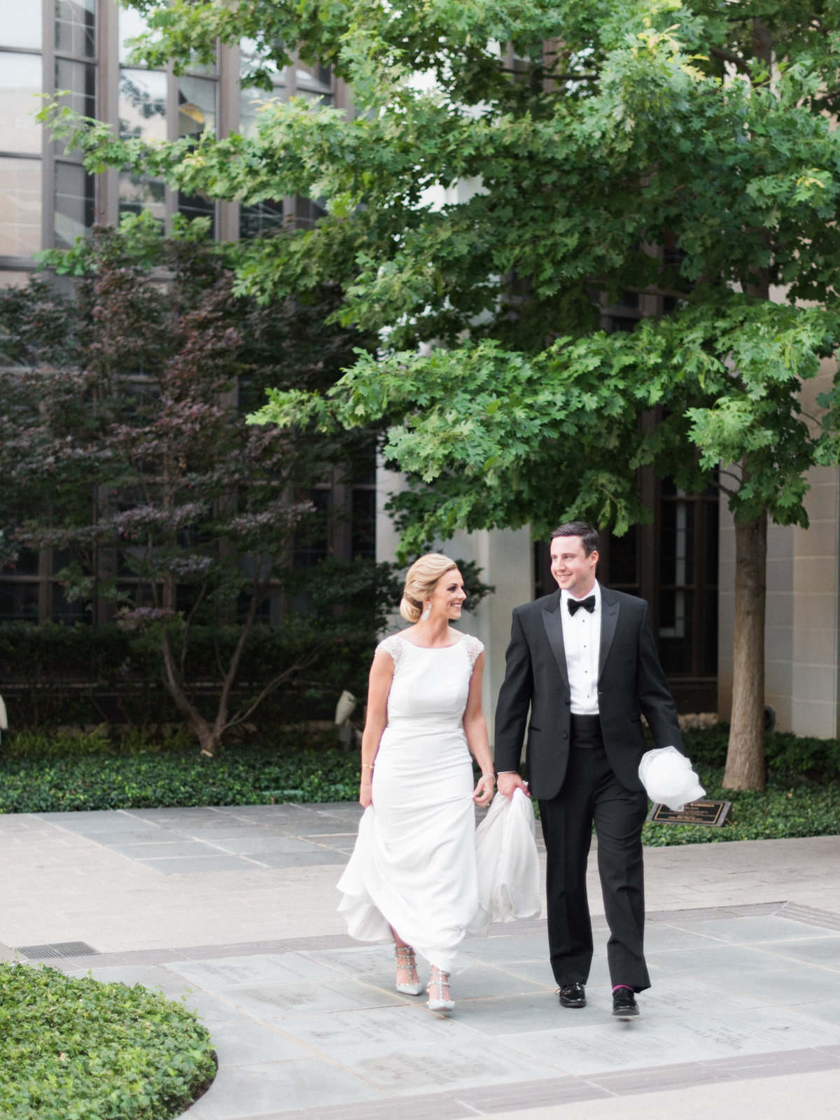 Courtney Hanson Photography - Modern wedding at The Joule-2840