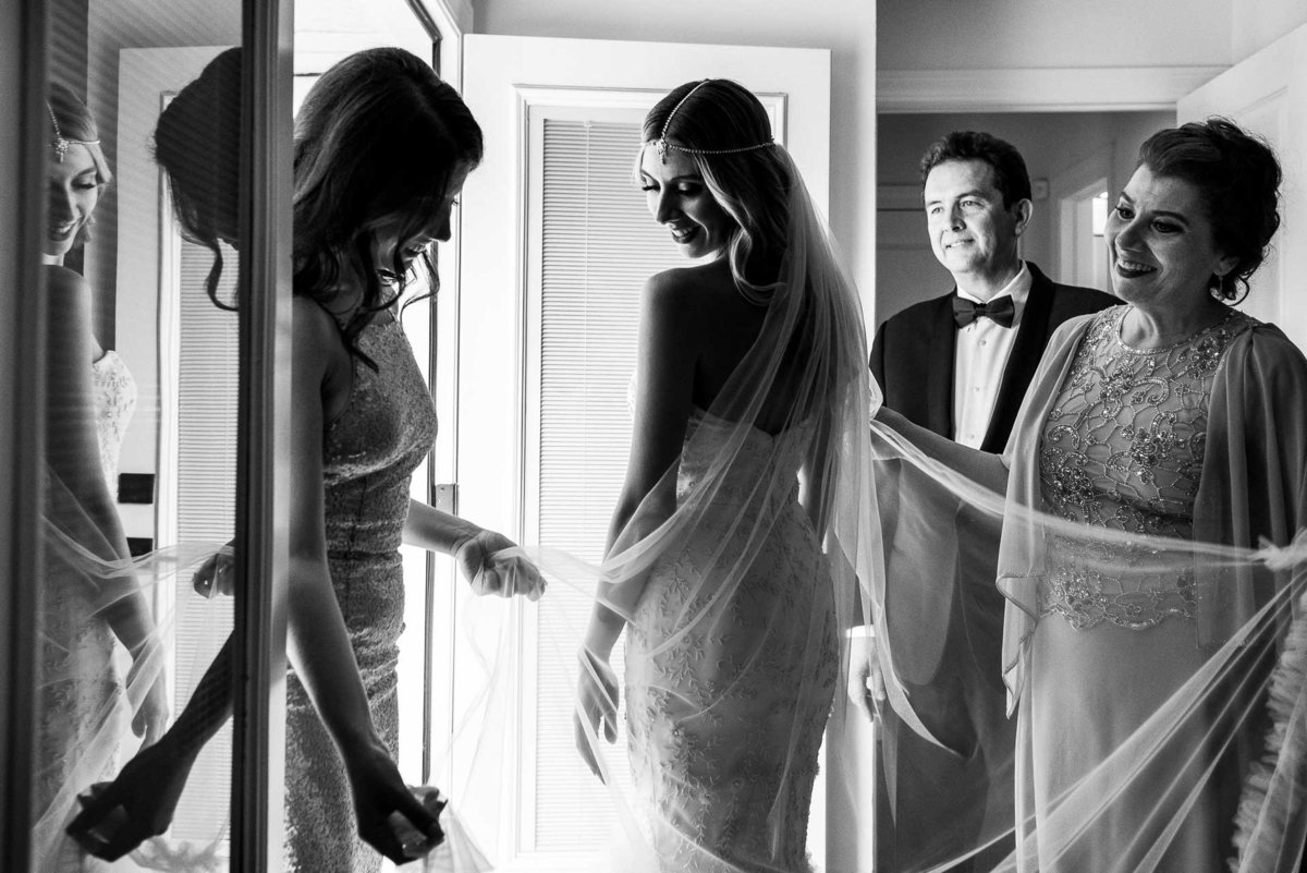 bride getting ready photo in el paso texas by stephane lemaire photography