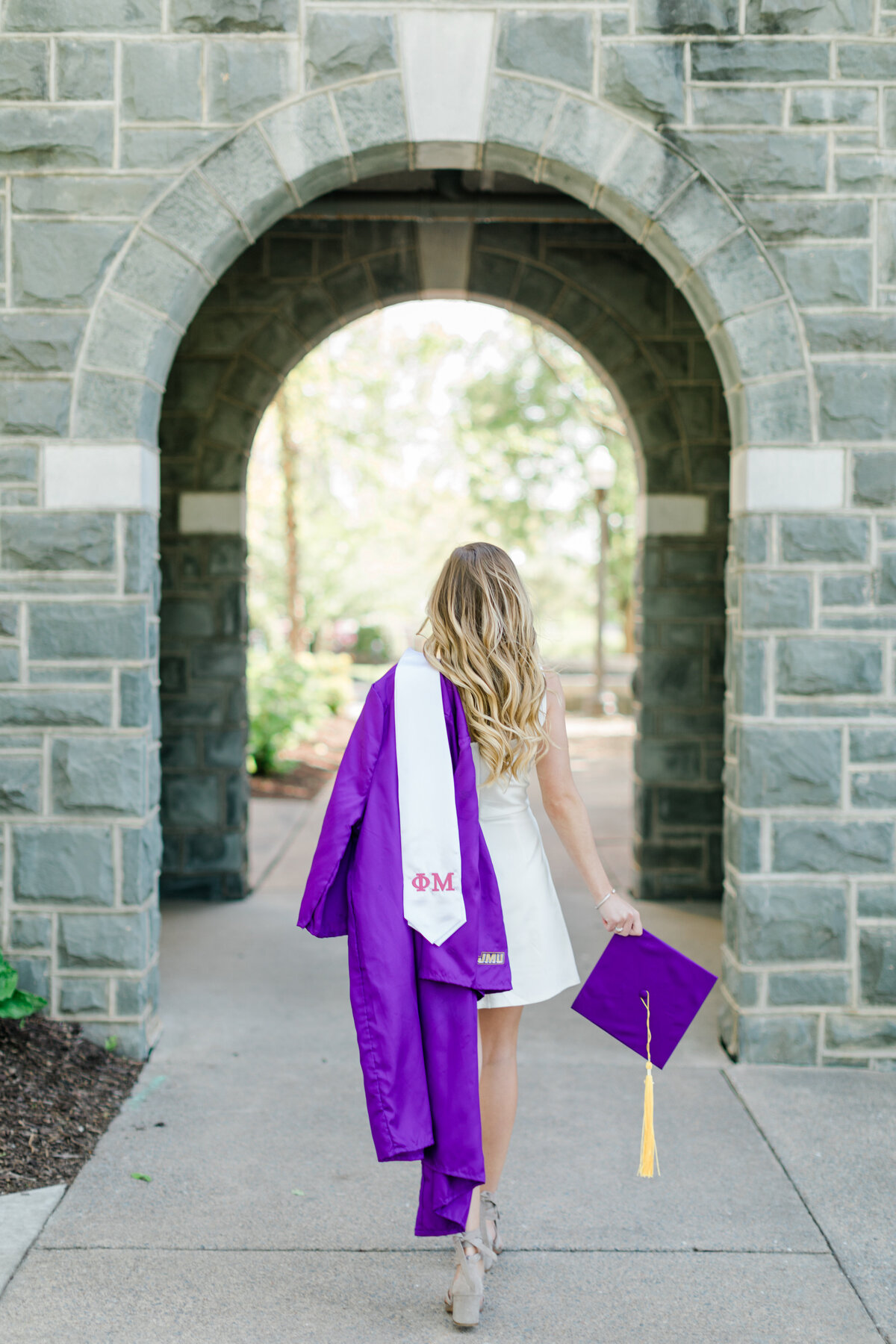 Brooke_Gore_JMU_Senior_Graduation_Session_2020_Angelika_Johns_Photography-2431