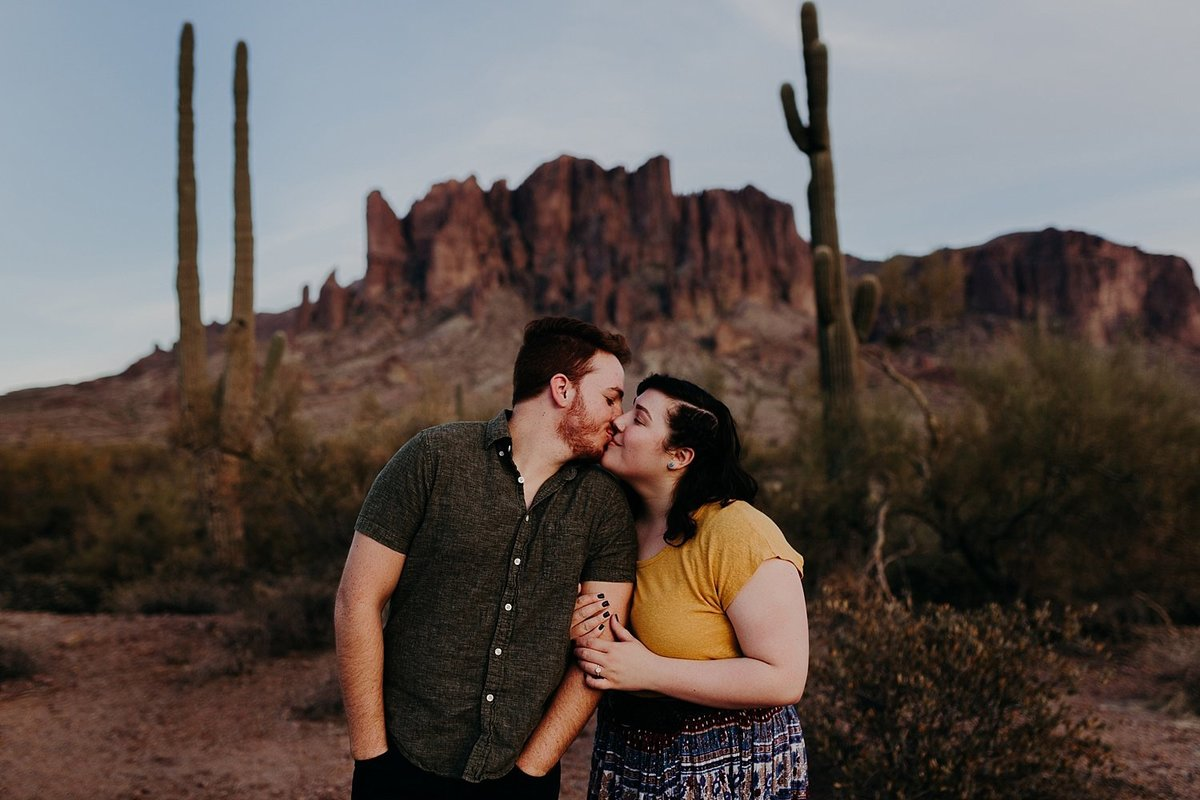 10-Superstition-Mountains-Saguaro-Engagement-Photos
