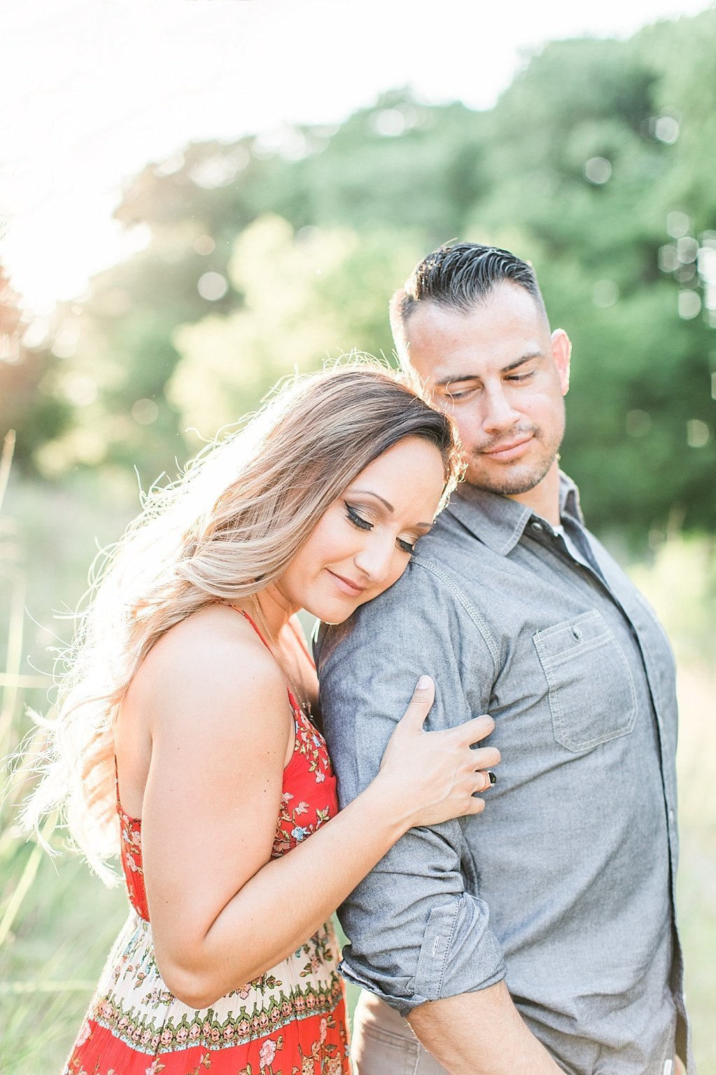 summer engagement photos at Cibolo Nature Center in Boerne, Texas_0004