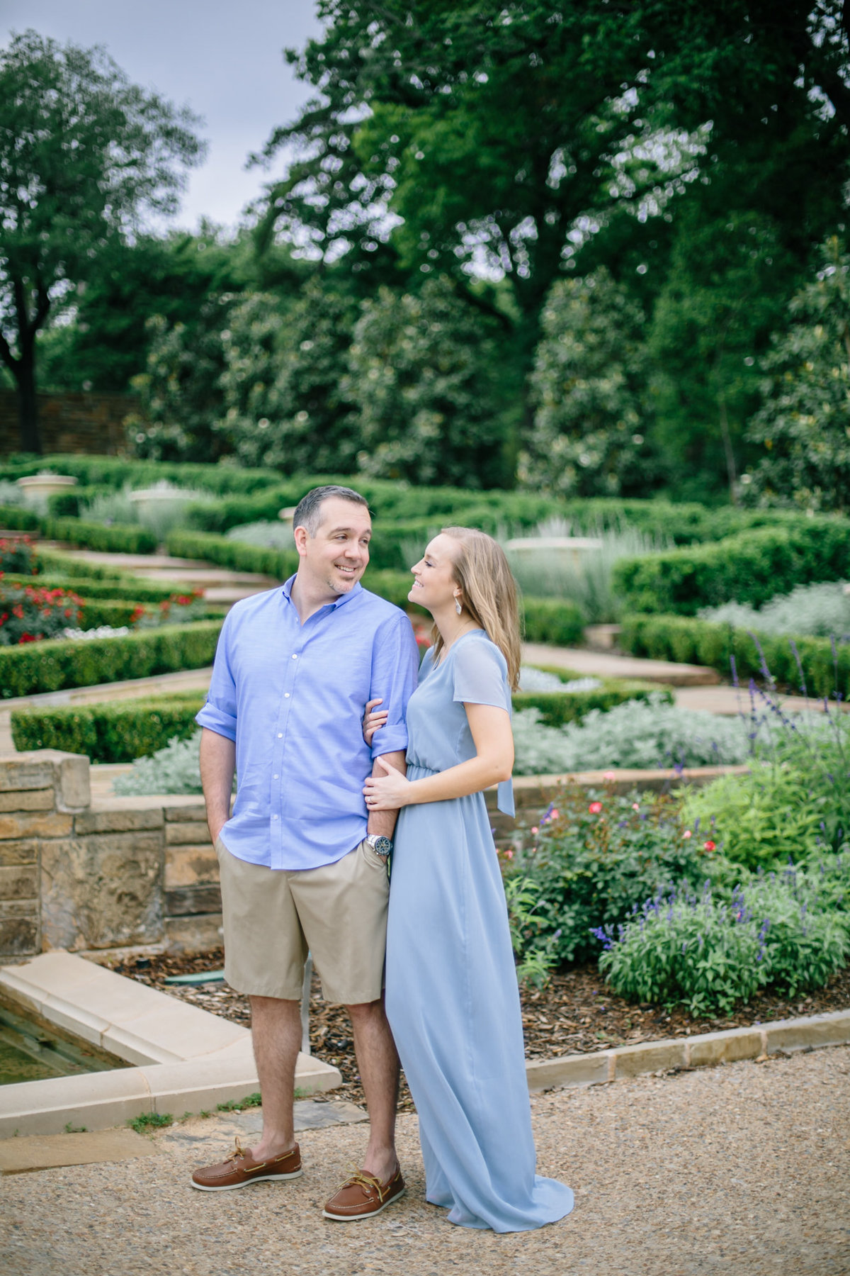 Fort-Worth-Botanical-Graden-Engagement-by-Dallas-Wedding-Photogrpher-Julia-Sharapova-28