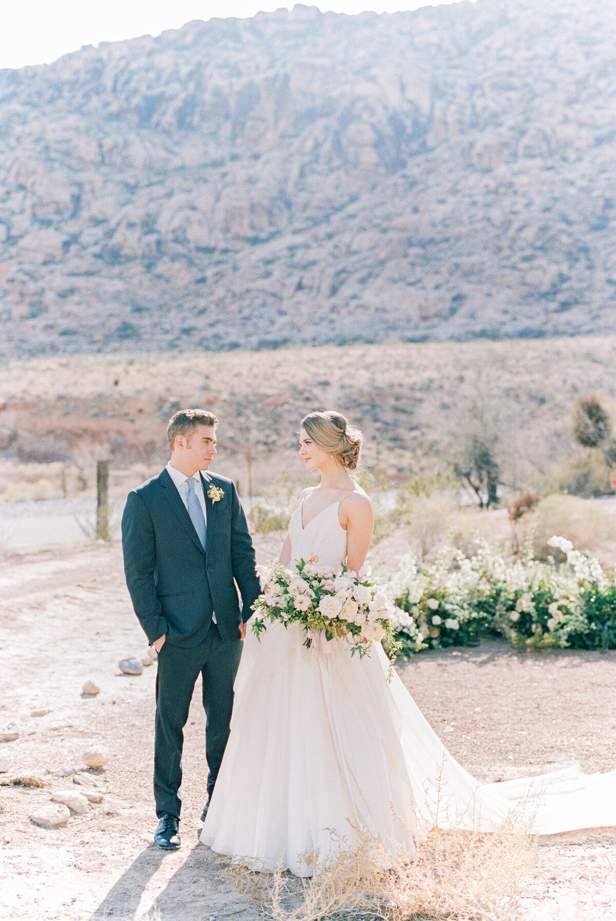 california-desert-elopement-photos8
