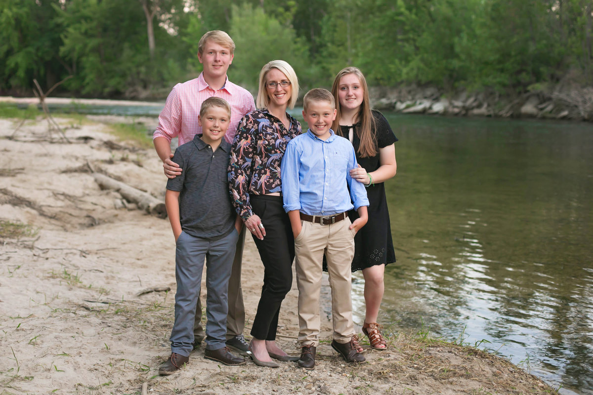 sun-valley-family-photographer-lifestyle-Boise-idaho-treasure-valley-meridian-nampa-eagle-mccall-emmett-mountain-home-photographer-lee-ann-norris043