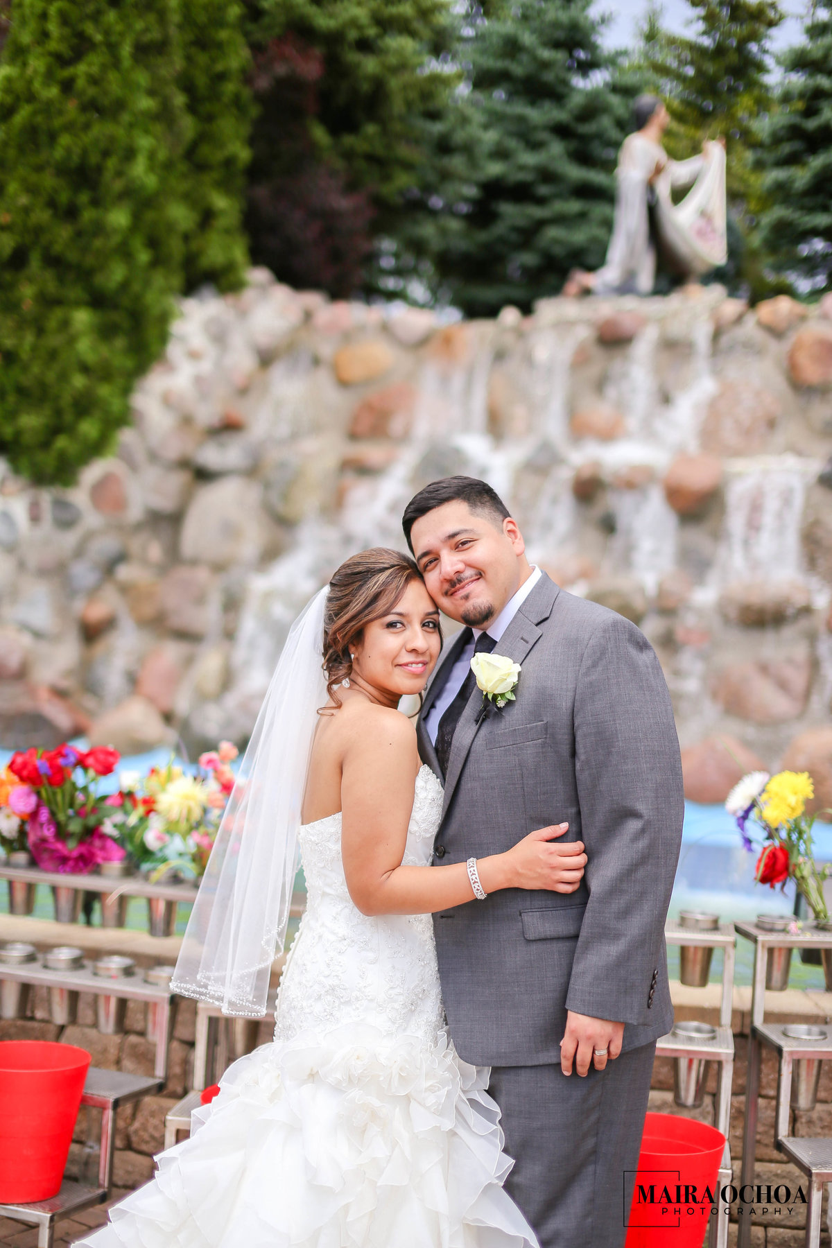Weding at the Shrine of Our Lady of Guadalupe, Des Plaines, IL Maira Ochoa Photography