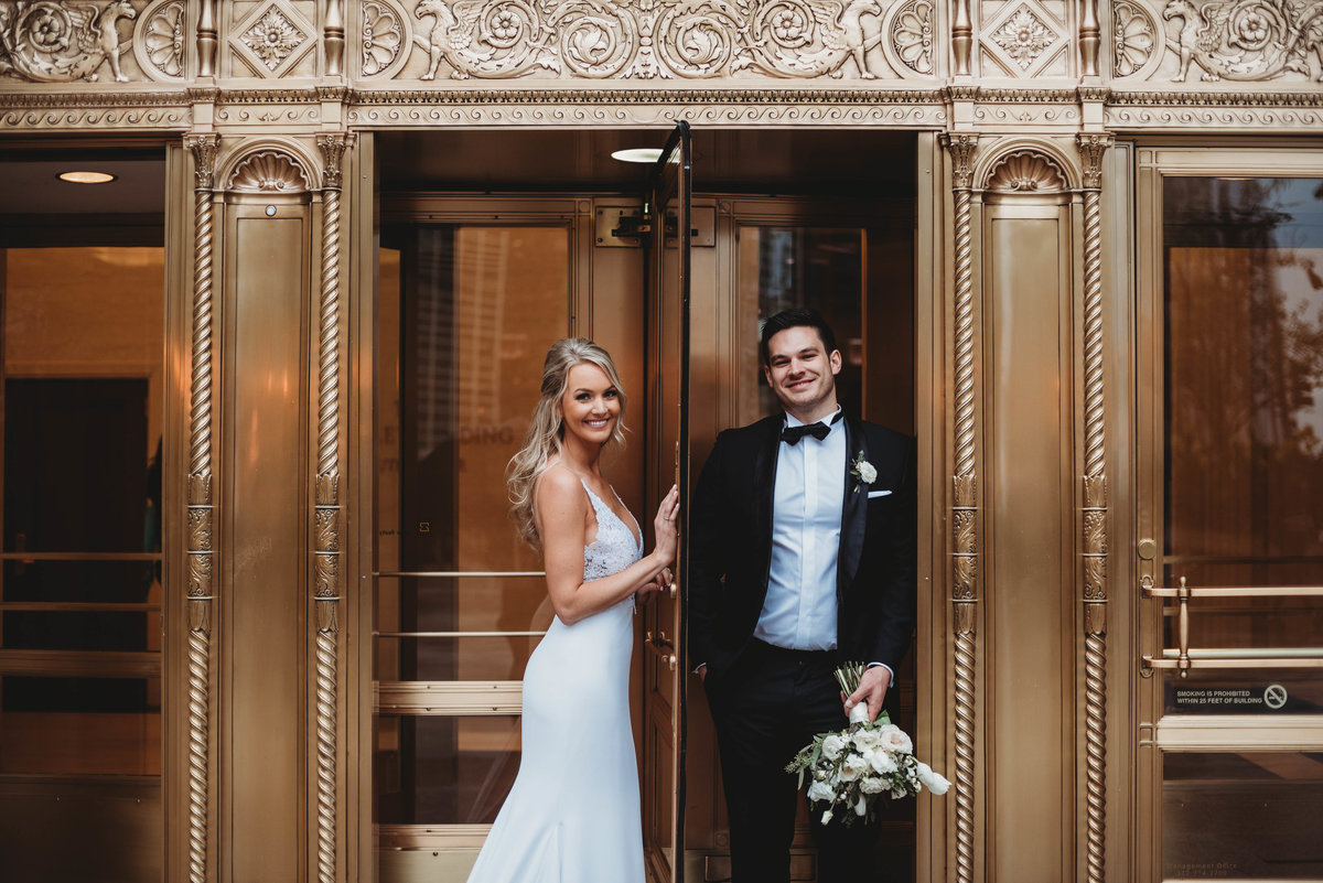 mag-mile-wedding-pictures-michiga-ave-wedding-pictires-wrigley-building-chicago-wedding-photographer-girl-with-the-tattoos-wedding-photographer