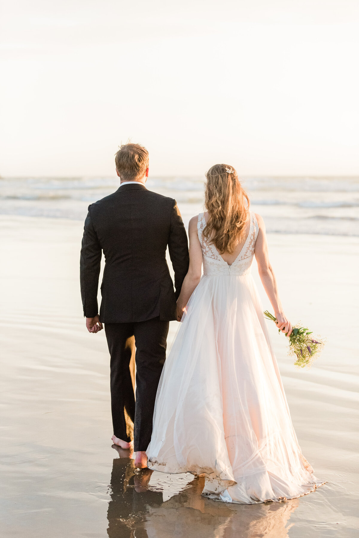 Cannon-Beach-Elopement-Photographer-59